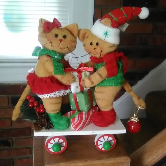 Other - Christmas CATS on Wheels DECOR
